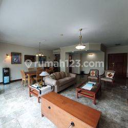 Very Nice Unit with Fully Furnished at Prapanca Apartment