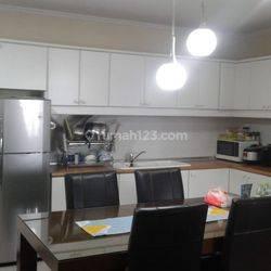 Apartemen Pondok Klub Villa Disewa, Fully Furnished, 3 BR + 1