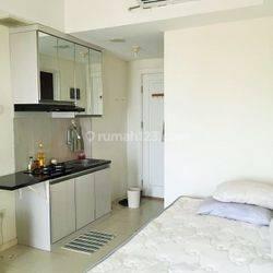 Studio Full Furnished Lantai Tinggi Apartemen Green Lake Sunter Jakarta Utara