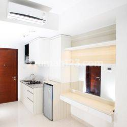 ANDRE TJHIA- 0819 9523 5999 Apartemen West Vista Lantai 15 Studio, View Pool Furnish