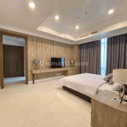 Shock Price, 195 Sqm, Botanica Apartement, Simprug,  2+1+1+1 BR, Midle Floor, View Senayan, Full Furnished, Newly Renovated, Jakarta Selatan, Nego