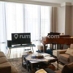 Nice and Spacious 3BR Apartment with Best Location @ Senopati Suites