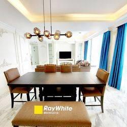 Apartemen di Senayan City Residence, Jakarta Selatan, Senayan Golf View, High Floor, Siap Huni, Furnished