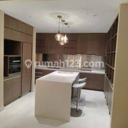 Casa Domaine 2 bedroom size 147 sqm Tower 1 USD 2100 nego/month