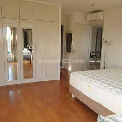 Disewa Apartemen Somerset Berlian Residence 3+1BR uk 188m2 Furnished New Best View BEST DEAL OFFER at Jakarta Selatan