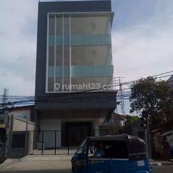 Gedung Perkantoran Baru di Raya Johar Baru
