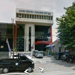 Gedung  bekas kampus Sangaji Jakarta Pusat