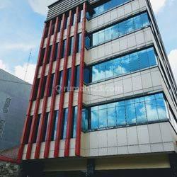 Gedung 5 Lantai di Cikini Jakarta pusat
