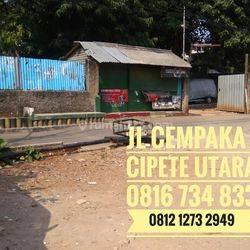 Rumah dengan halaman pekarangan Luas Dan lebar Murah Strategis Dekat Kemang Lippo mall di bawah harga pasar