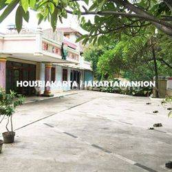 housejakarta - House for Lease at Kebayoran Ex School and DayCare