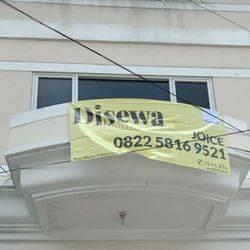 Disewakan Ruko 3 Lantai  di Jalan samali  Pejaten  !!
