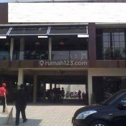 Ruang Usaha Strategis  investasi menguntungkan aktif  dipakai restauran ternama  Lokasi Terusan Jakarta