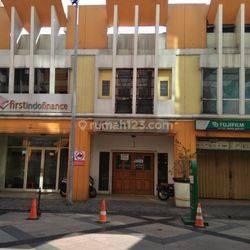Ruko 3 lantai di Mall WTC Jalan Raya Serpong Tangsel