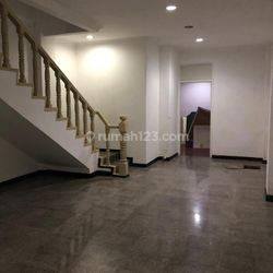 Ruko 4 lantai siap pakai di Grand Wijaya Centre Jakarta Selatan
