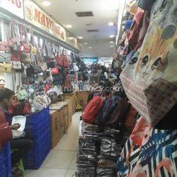 BU!Kios Murah! Ramai! Siap Pakai di daerah Grosir Senen Jaya lantai 3