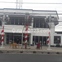 Bangunan 2 lantai, cocok untuk kantor/showroom/toko/gudang/klinik/restoran/cafe/dll