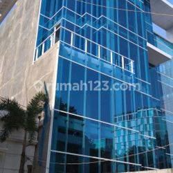 Gedung Commercial di Wahid Hasyim