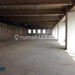 Ruang Kantor 2327 m2 Plaza Oleos TB Simatupang Jakarta Selatan 170 Ribu / m2 / Bulan