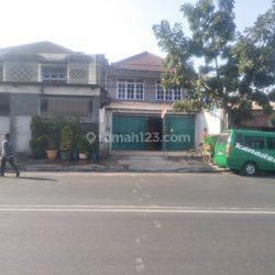 Lokasi Prime!! Ruko 2 Lantai di Jalan Utama Kopo, Situsaeur Bandung