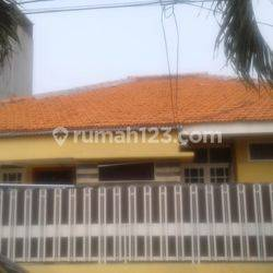 Di sewa Rumah di jalan Kebon Raya III, Duri Kepa, Kebon Jeruk, Jakarta Barat