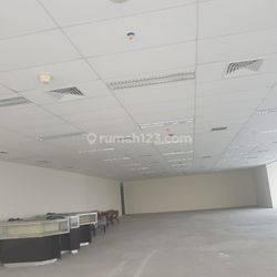 Ruang Kantor di Sahit Sudirman Center dengan luas 439m²