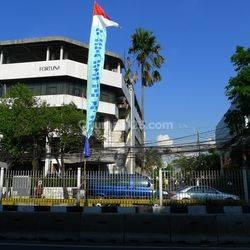 Gedung 4 lantai Jl Mampang Prapatan Raya