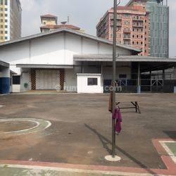 Gudang Area Komersil di CBD Simatupang