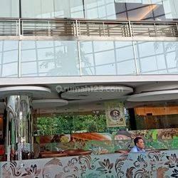RUANG USAHA CAFÉ / RESTAURAN DI LOKASI DEKAT LIPPO MALL PURI, JAKARTA BARAT