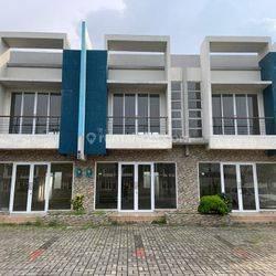 Ruko 2 lantai (Gandeng 3 unit) di Bizpoint Tiga Raksa, Tangerang.
