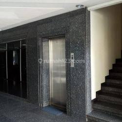 Gedung Perkantoran 6 lantai di Petojo