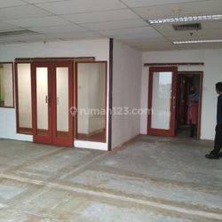 Kantor dengan harga terjangkau di Salemba
