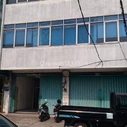 Ruko Gandeng, 4 lantai di kedoya, Jakarta Barat