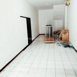 Ruko 4 lantai siap huni di Blok M