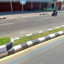 Toko di jalan bypass ngurah Rai jimbaran