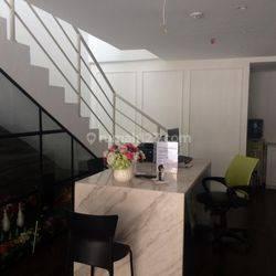 Ruko 3 lantai di royalle suite spring hill, Kemayoran, Jakarta Utara, Lokasi sangat Strategis, sangat cocok untuk kantor dan ruang usaha.