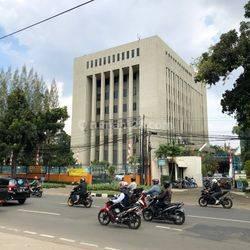 Disewakan Gedung Kantor 8 lantai Strategis Jl Kebon Sirih Raya