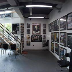 Gedung di Radio Dalam, Jakarta Selatan ~ Siap Pakai ~ Lokasi Strategis