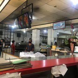MURAH Gedung 5 Lantai Plus Gudang Pinggir Jalan Raya di Kebayoran Lama