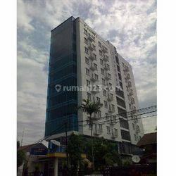 Gedung 11 Lantai Luas dengan Basement di Pasar Minggu