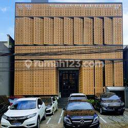 Lokasi Premium di Senopati, Jaksel, Cocok untuk Usaha/Showroom/Klinik Non Furnished