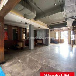 RUKO / KANTOR / RUANG USAHA STRATEGIS at Jl GUNAWARMAN, SENOPATI