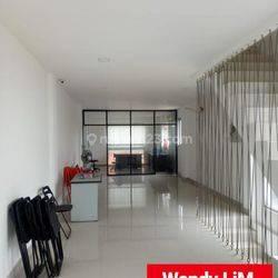 RUKO STRATEGIS di ZONA KOMERSIAL Jl. WIJAYA, KEBAYORAN BARU