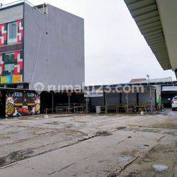 Ruko Gandeng + Tanah luas di jadikan Cafe Resto  dan Parkiran Sangat Luas Patukangan Jakarta Selatan