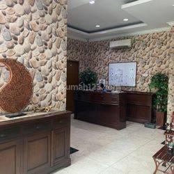 Gedung 5 Lantai Siap Pakai Cocok Untuk Usaha/Kantor Di Lokasi Strategis Kampung Melayu Tebet Jakarta Selatan