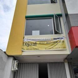 Ruko ukuran 4,2 M x 18,5 M di Jl Tebet Raya, Cocok untuk Kantor, dan usaha lainnya. Hub: 0813-1838-1838 / 0878-7838-1838.