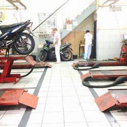 Dijual Ruko berikut Peralatan Service Motor di Kebon Bawang Tg Priok