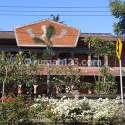 Gedung di Sanur cocok untuk perkantoran & Restauran.