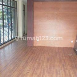 Rukan Grand Aries Niaga Murah dan Bagus 3 lantai di Jalan Taman Aries , Meruya utara Jakarta