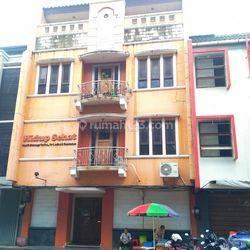 Ruko Gandeng Grand Wijaya Center Jakarta Selatan