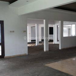 Rumah Strategis Ex Cafe dan Foto Studio di Sayap Dago Bandung
